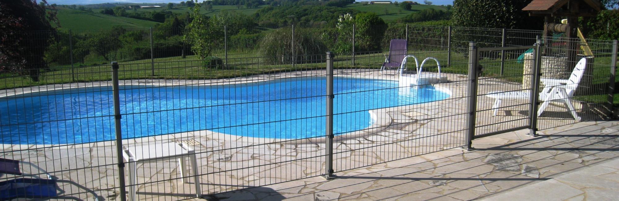 Auvergne vakantiehuis zwembad
